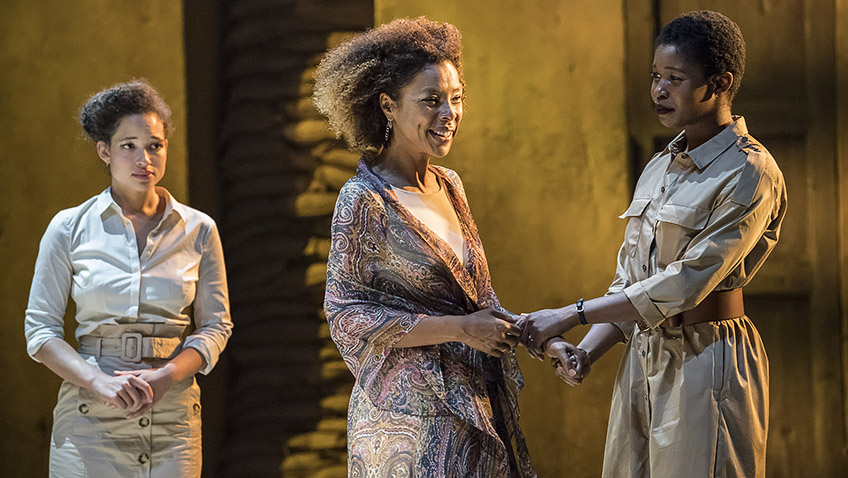Georgia Landers, Sophie Okonedo and Gloria Obianyo in Antony and Cleopatra - Credit Johan Persson