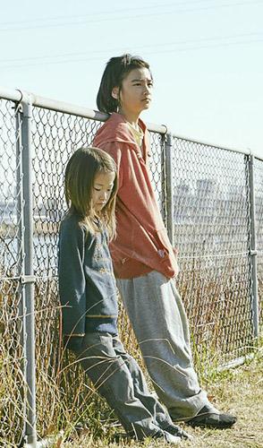 Miyu Sasaki and Jyo Kairi in Shoplifters - Credit IMDB