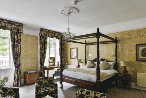 The Charlecote Pheasant Hotel