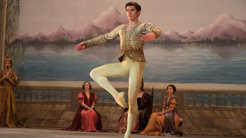Ralph Fiennes dawns his director's hat for a Nureyev biopic that shuffles around rather than soars