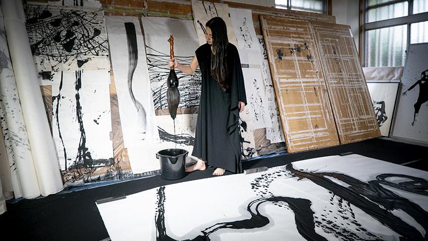 Filming with shodō (calligraphy) artist Tomoko Kawao in Kyoto for Van Gogh & Japan - Copyright David Bickerstaff