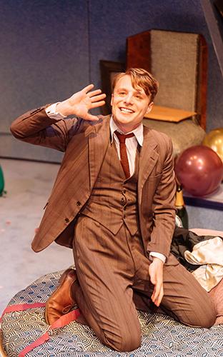 Luke Thallon in Present Laughter - Credit Manuel Harlan