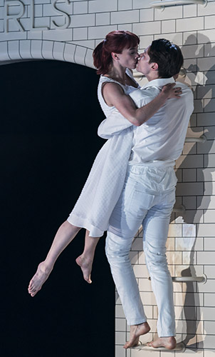 Cordelia Braithwaite and Paris Fitzpatrick in Romeo and Juliet - Credit Johan Persson