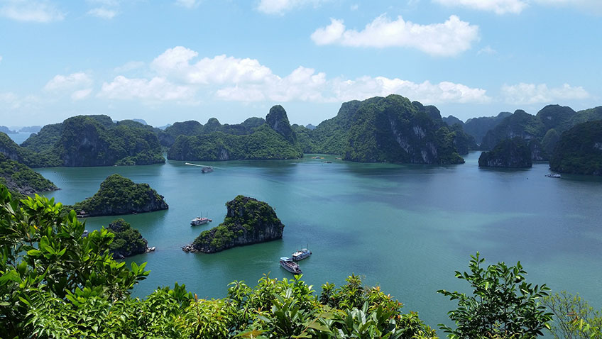 3 reasons to visit Halong Bay in Vietnam