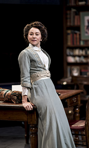 Claire Lams in Candida - Credit Johan Persson