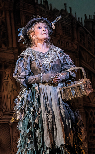 Petula Clark in Mary Poppins - Credit Johan Persson