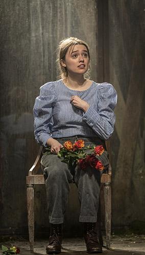Aimee Lou Wood in Uncle Vanya - Credit Johan Persson