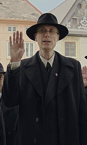 Stephen Merchant in Jojo Rabbit - Credit IMDB