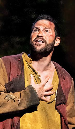 Jon Robyns in Les Misérables - Credit Johan Persson