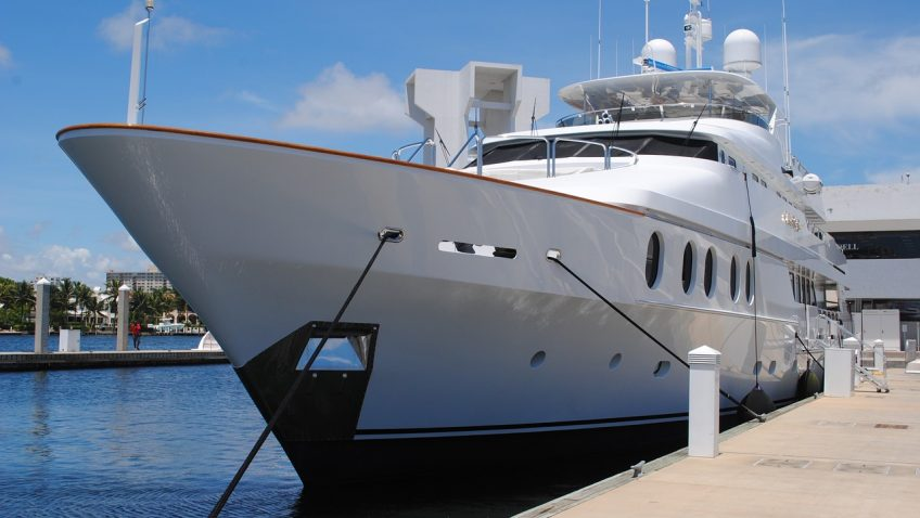 Seven reasons why yacht charter is the best option for a holiday in the sun