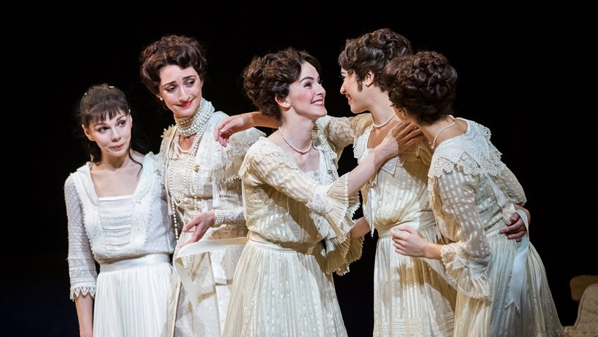 Robert Tanitch reviews Royal Ballet's Anastasia on line