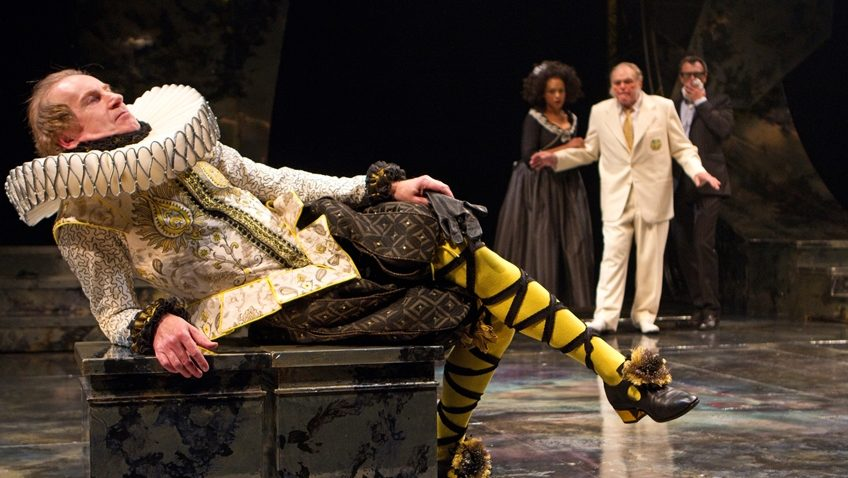 Robert Tanitch reviews Shakespeare's Twelfth Night on line