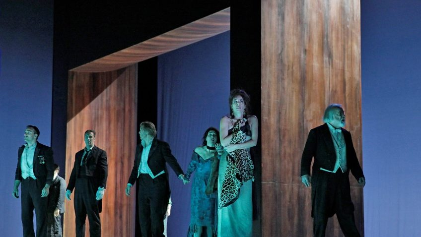 Robert Tanitch reviews Thomas Adès's The Exterminating Angel on line.