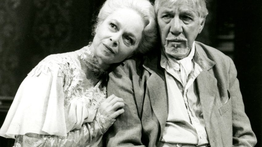 Robert Tanitch reviews Eugene O'Neill's Long Day's Journey Into Night on line