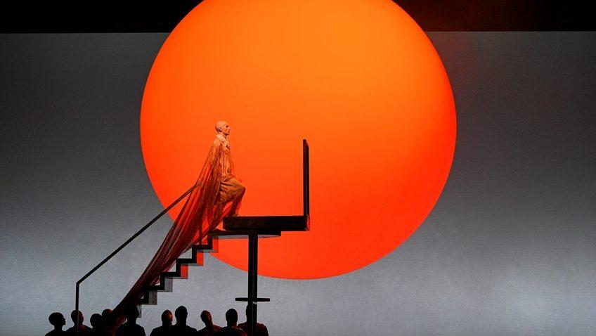 Robert Tanitch reviews two Philip Glass operas at The Metropolitan Opera House, New York