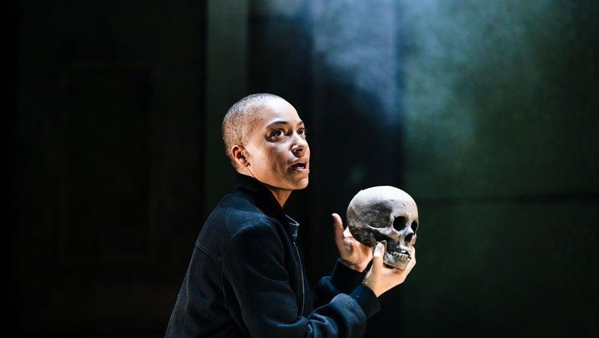 Robert Tanitch reviews Hamlet at Young Vic, London.